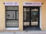 View the album YOGA ESKOLA